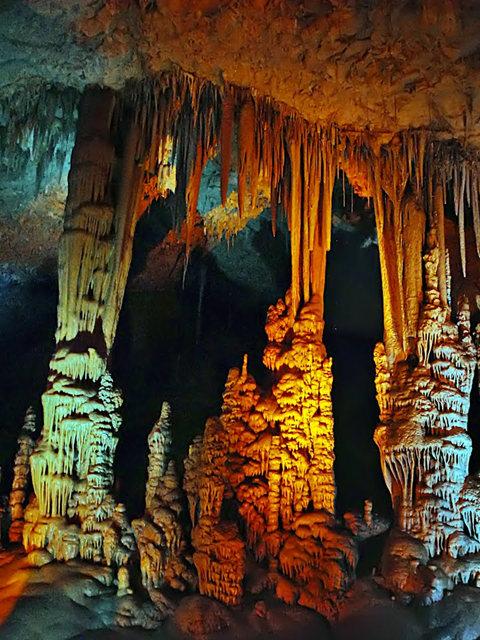 钟乳石洞穴自然保护区_图1-21