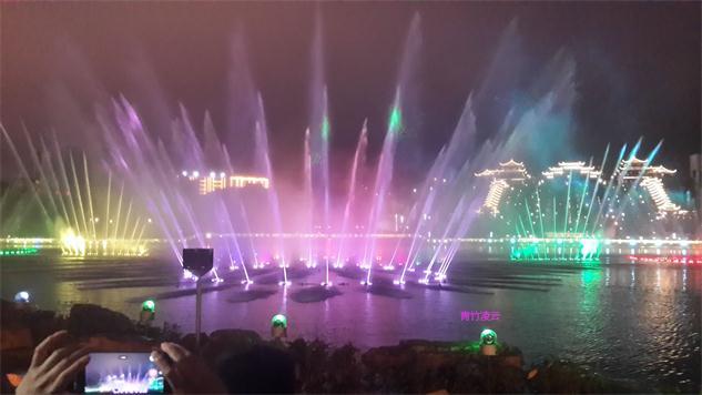 【青竹凌云】似梦似幻的音乐喷泉 (原创摄影)_图1-31