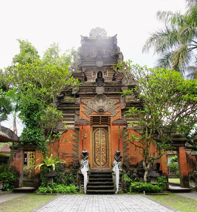 印尼萨拉斯瓦蒂寺.乌布王宫_图1-1