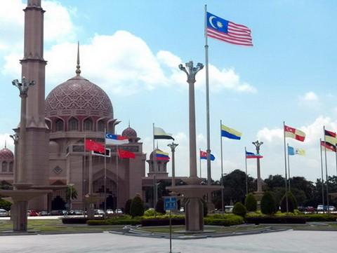 马来西亚的水上清真寺_图1-2