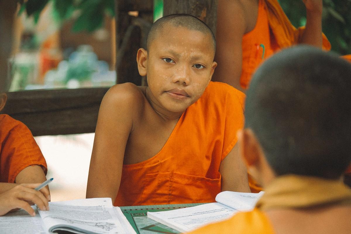 【杆说杆摄】行走柬埔寨 春夏秋冬又一春 柬埔寨幸福的小和尚们 ..._图1-6