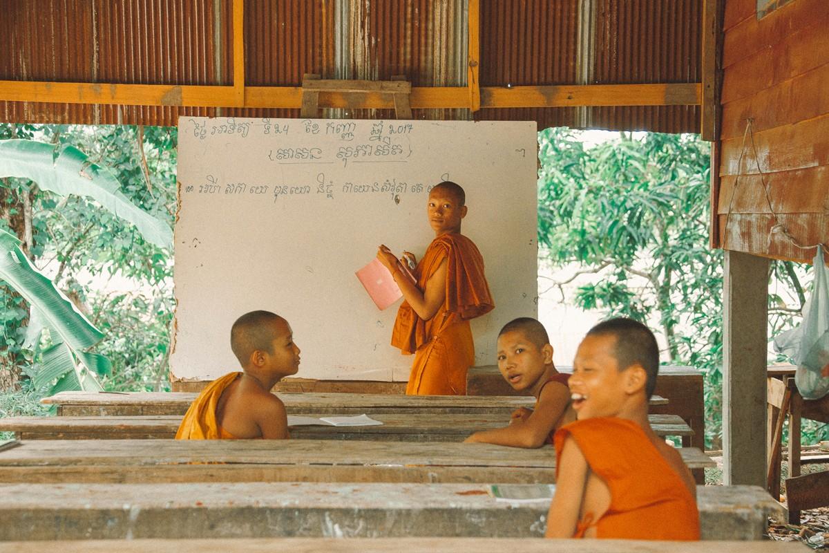 【杆说杆摄】行走柬埔寨 春夏秋冬又一春 柬埔寨幸福的小和尚们 ..._图1-10