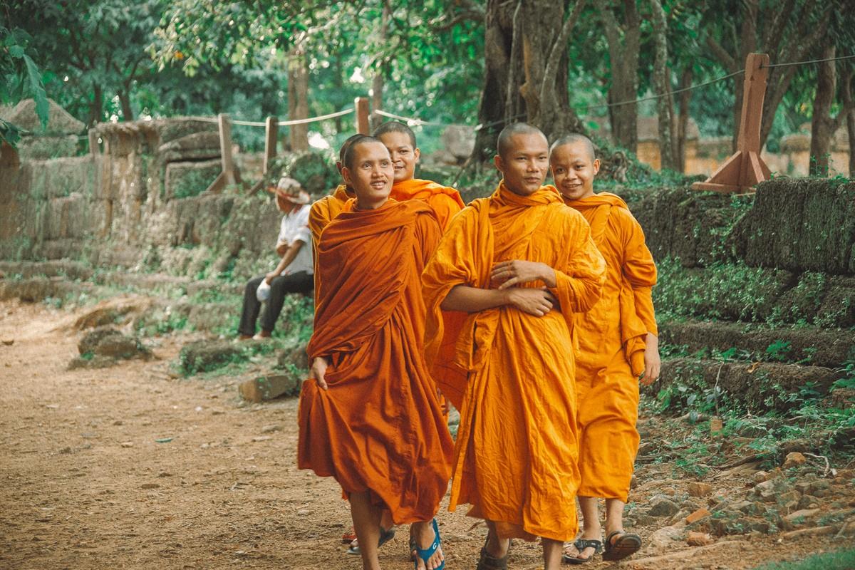【杆说杆摄】行走柬埔寨 春夏秋冬又一春 柬埔寨幸福的小和尚们 ..._图1-9