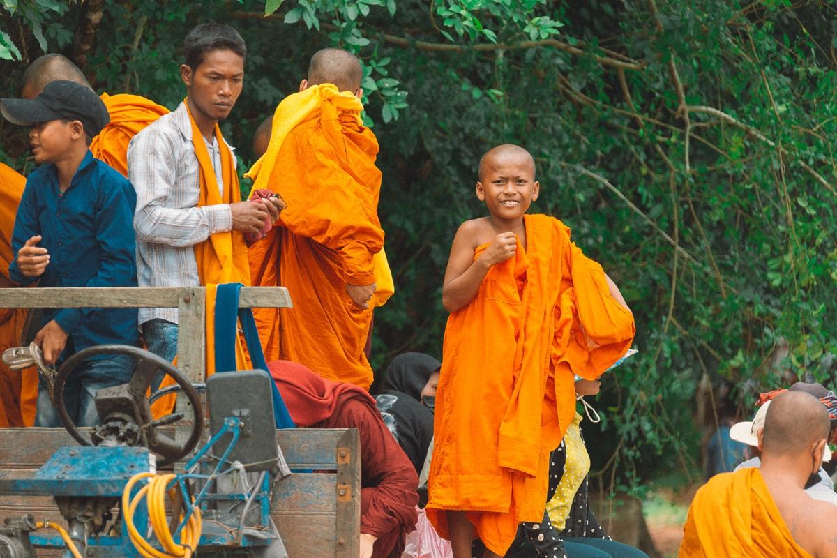 【杆说杆摄】行走柬埔寨 春夏秋冬又一春 柬埔寨幸福的小和尚们 ..._图1-11