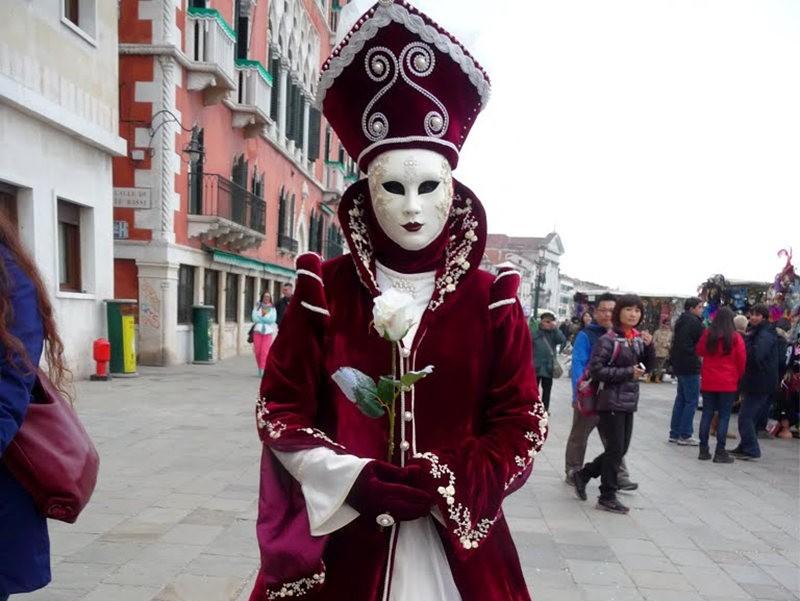 威尼斯运河边上的模特 2_图1-5