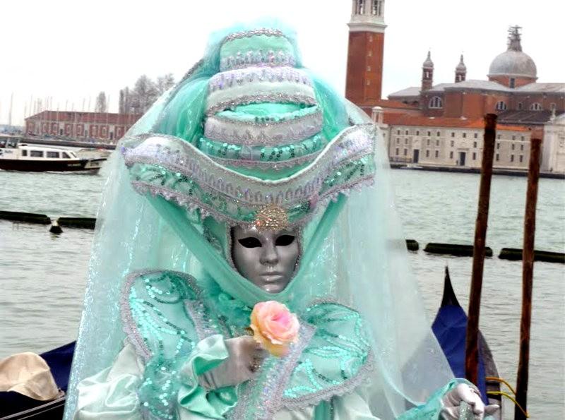 威尼斯运河边上的模特 2_图1-9