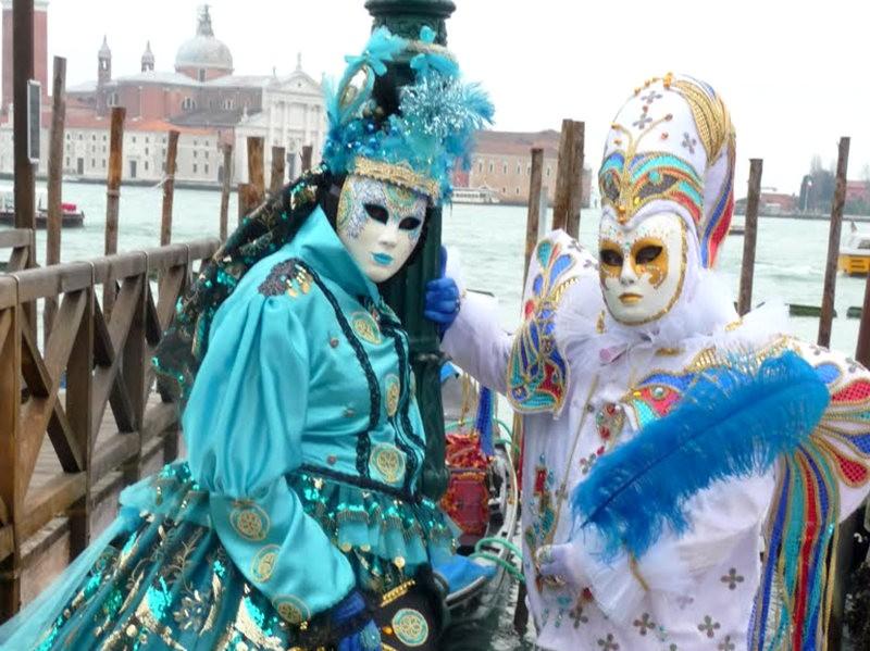 威尼斯运河边上的模特 2_图1-11
