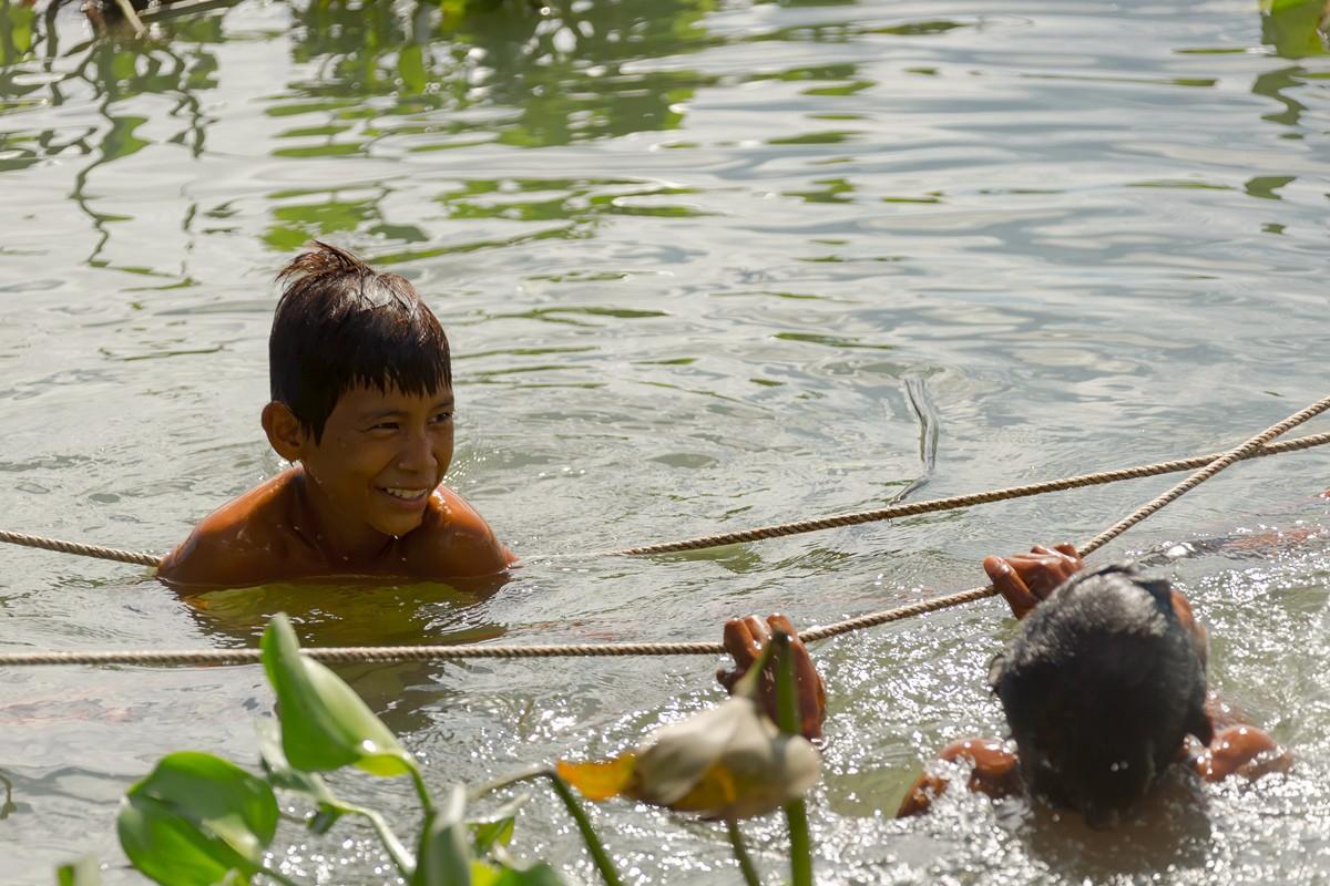 洞里萨湖 被祖国抛弃的漂浮着的难民营_图1-17