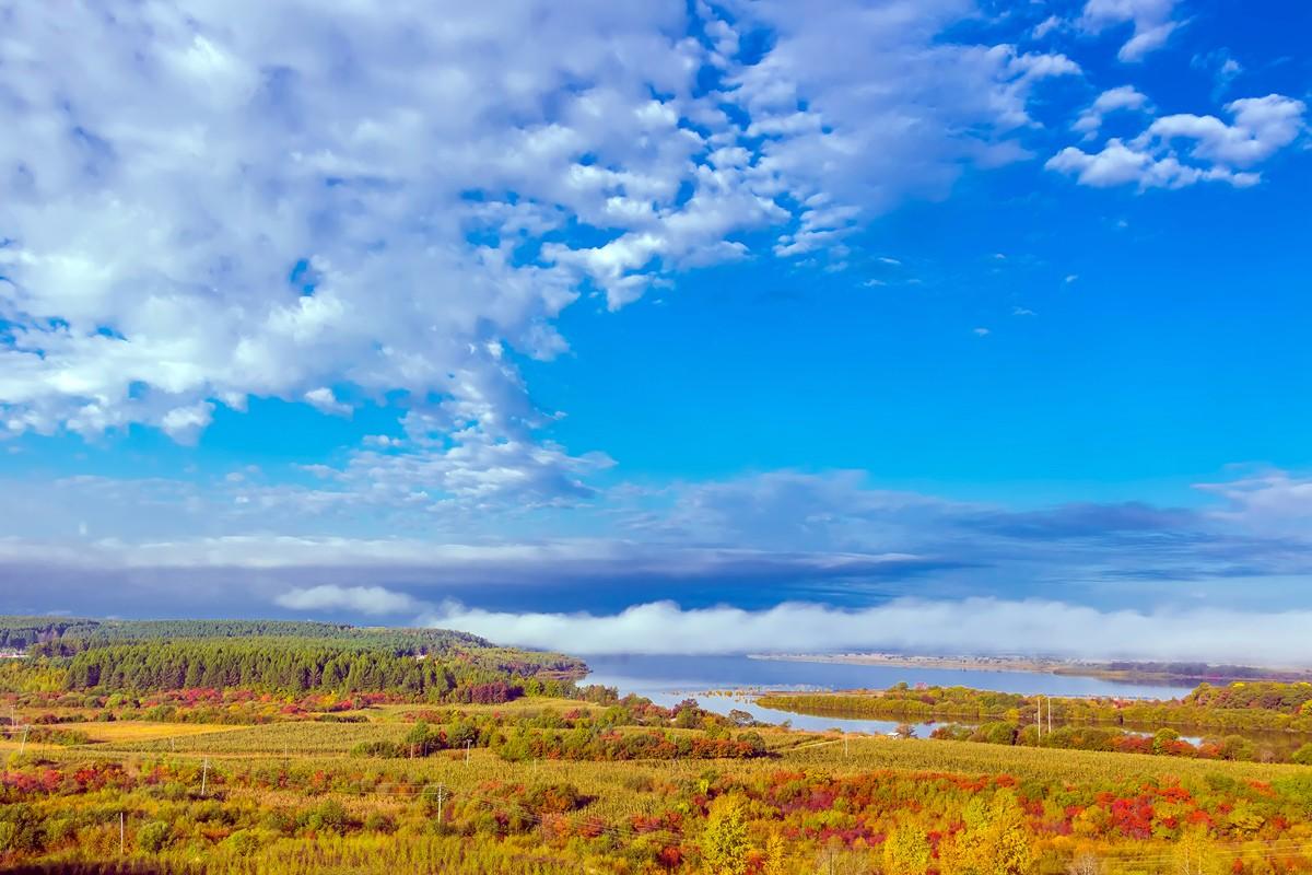 黑龙江上游有一个美丽的边陲小城 她的对面就是俄罗斯_图1-1