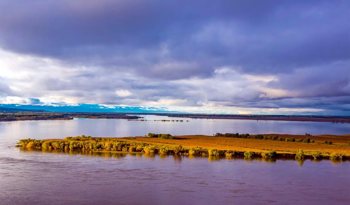 黑龙江上游有一个美丽的边陲小城 她的对面就是俄罗斯_图1-11