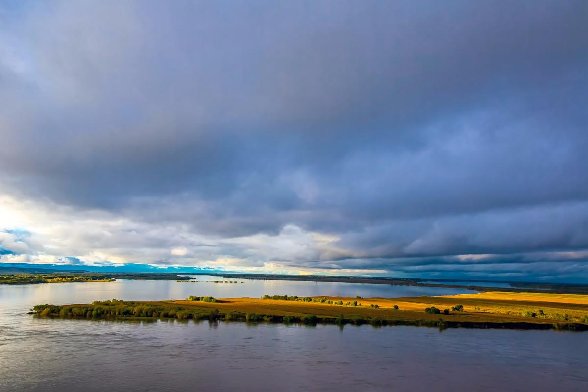 黑龙江上游有一个美丽的边陲小城 她的对面就是俄罗斯_图1-12