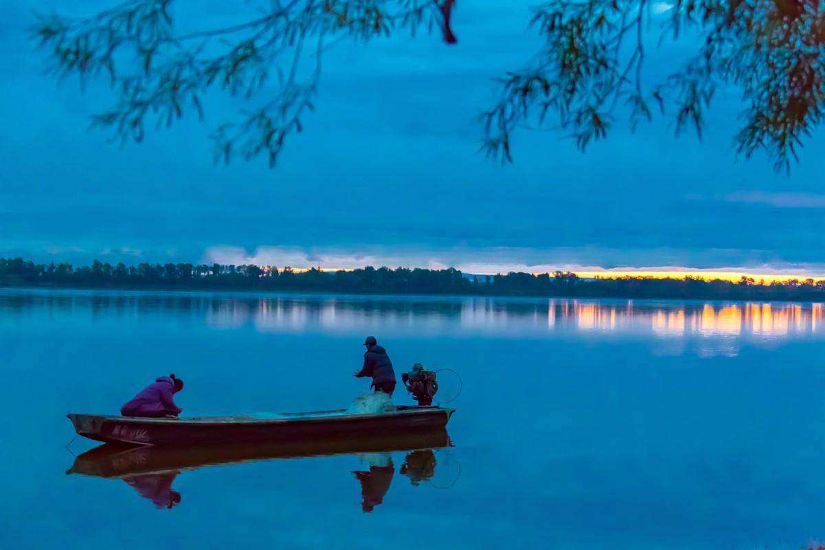 黑龙江上游有一个美丽的边陲小城 她的对面就是俄罗斯_图1-17