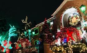 迟来的圣诞灯饰展