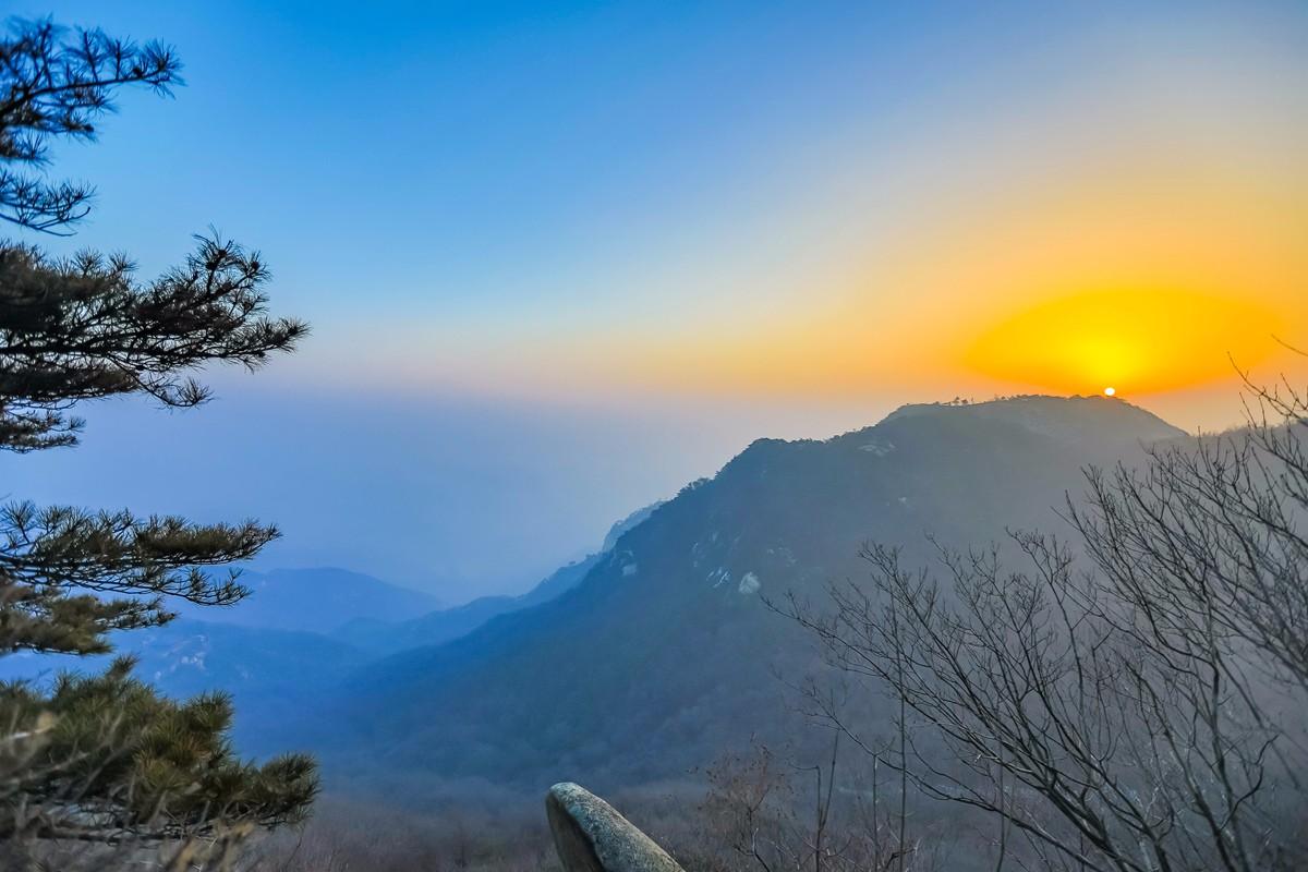 沂蒙摄影人在蒙山之巅迎接新年的第一缕阳光_图1-1