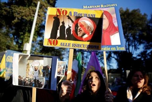 """伊朗问题的""""壶盖儿效应""""_图1-2"""
