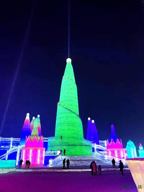 梅香满乾坤_图1-4