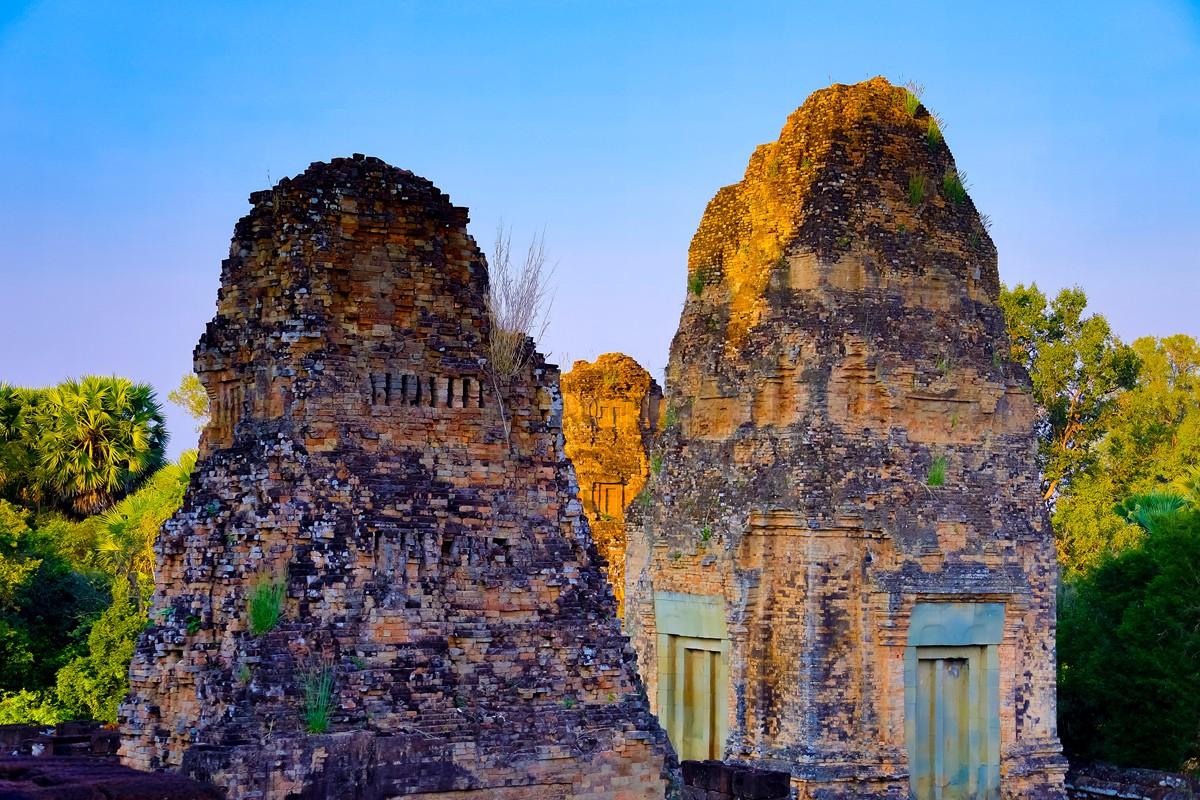 夕阳西下 曾经的火葬场变成名副其实的变身塔 行摄柬埔寨之比粒寺 ..._图1-3