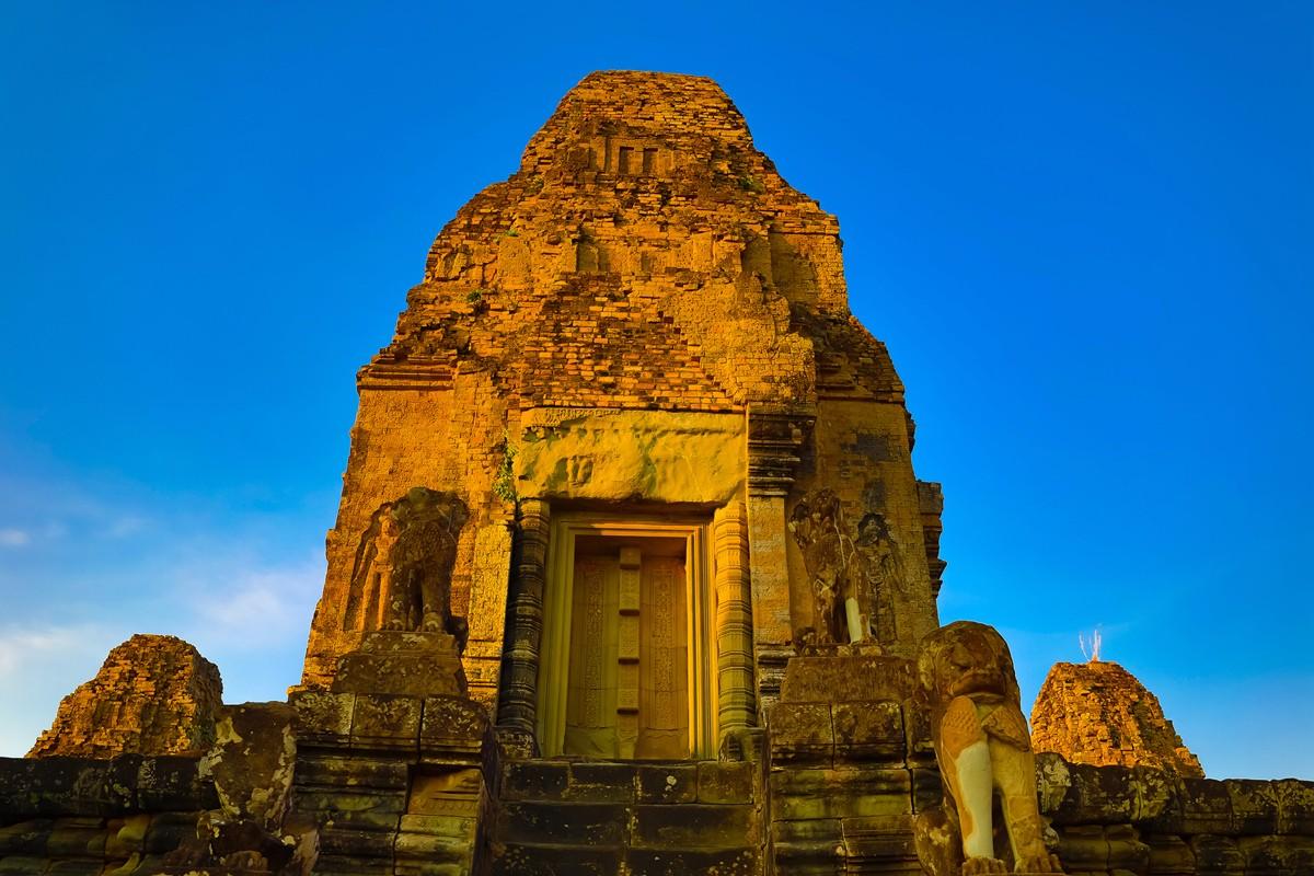 夕阳西下 曾经的火葬场变成名副其实的变身塔 行摄柬埔寨之比粒寺 ..._图1-4