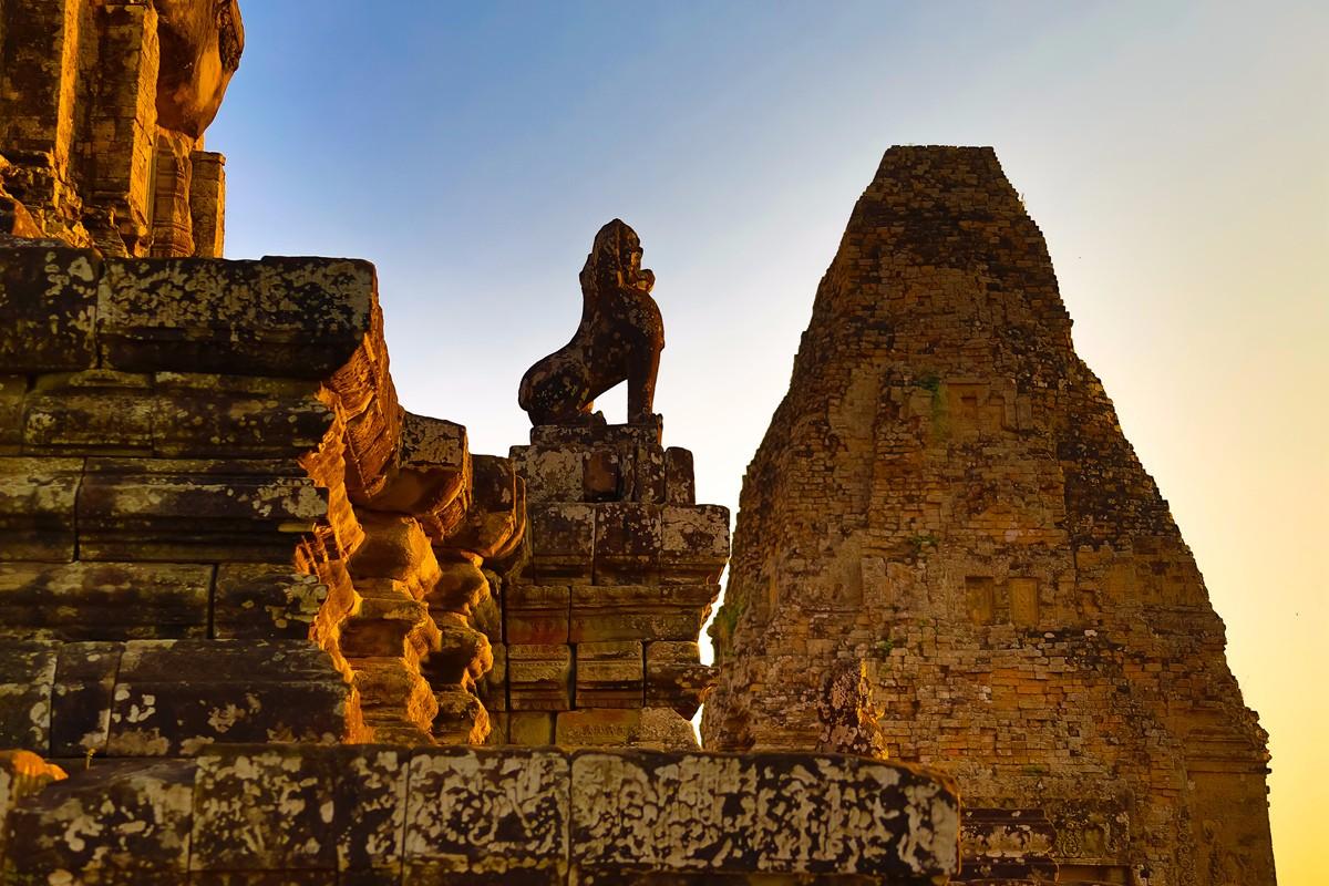 夕阳西下 曾经的火葬场变成名副其实的变身塔 行摄柬埔寨之比粒寺 ..._图1-9