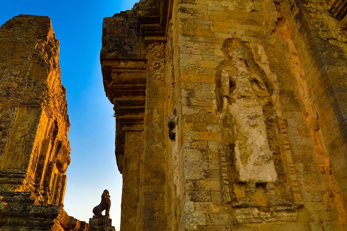 夕阳西下 曾经的火葬场变成名副其实的变身塔 行摄柬埔寨之比粒寺 ..._图1-6