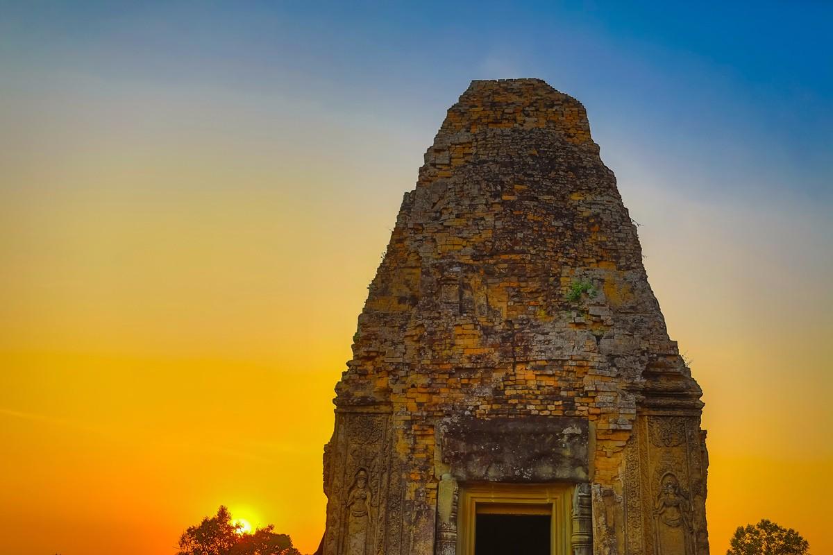 夕阳西下 曾经的火葬场变成名副其实的变身塔 行摄柬埔寨之比粒寺 ..._图1-11