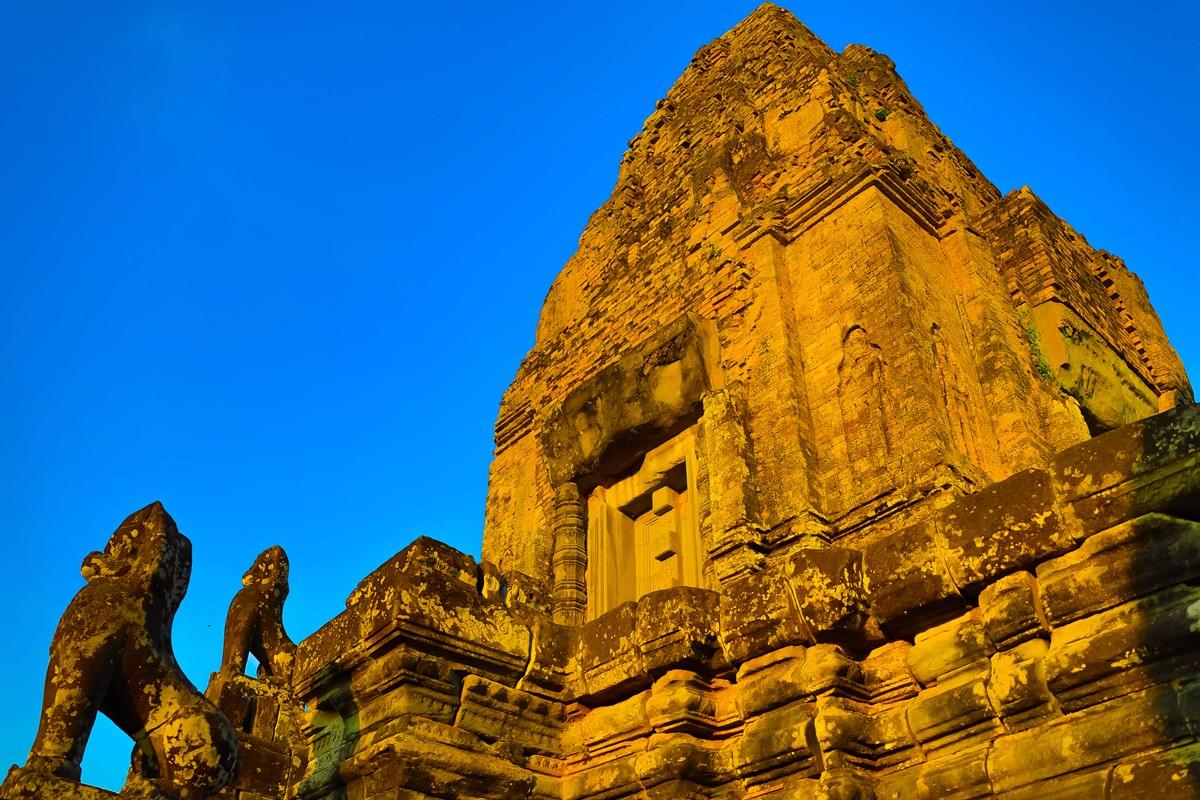 夕阳西下 曾经的火葬场变成名副其实的变身塔 行摄柬埔寨之比粒寺 ..._图1-10