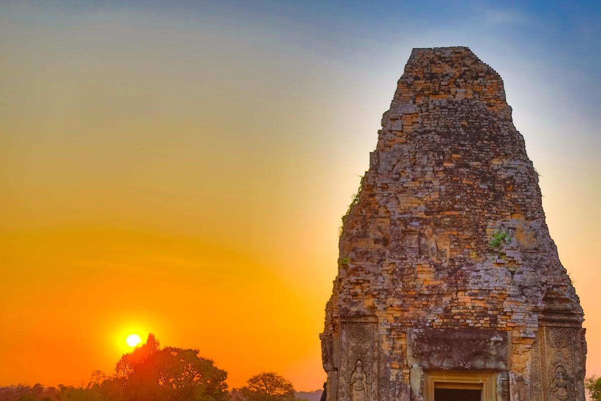 夕阳西下 曾经的火葬场变成名副其实的变身塔 行摄柬埔寨之比粒寺 ..._图1-13