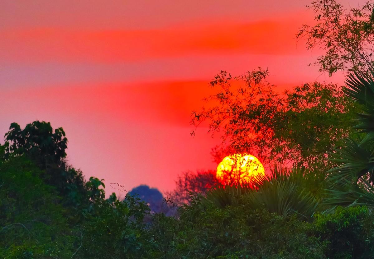夕阳西下 曾经的火葬场变成名副其实的变身塔 行摄柬埔寨之比粒寺 ..._图1-18
