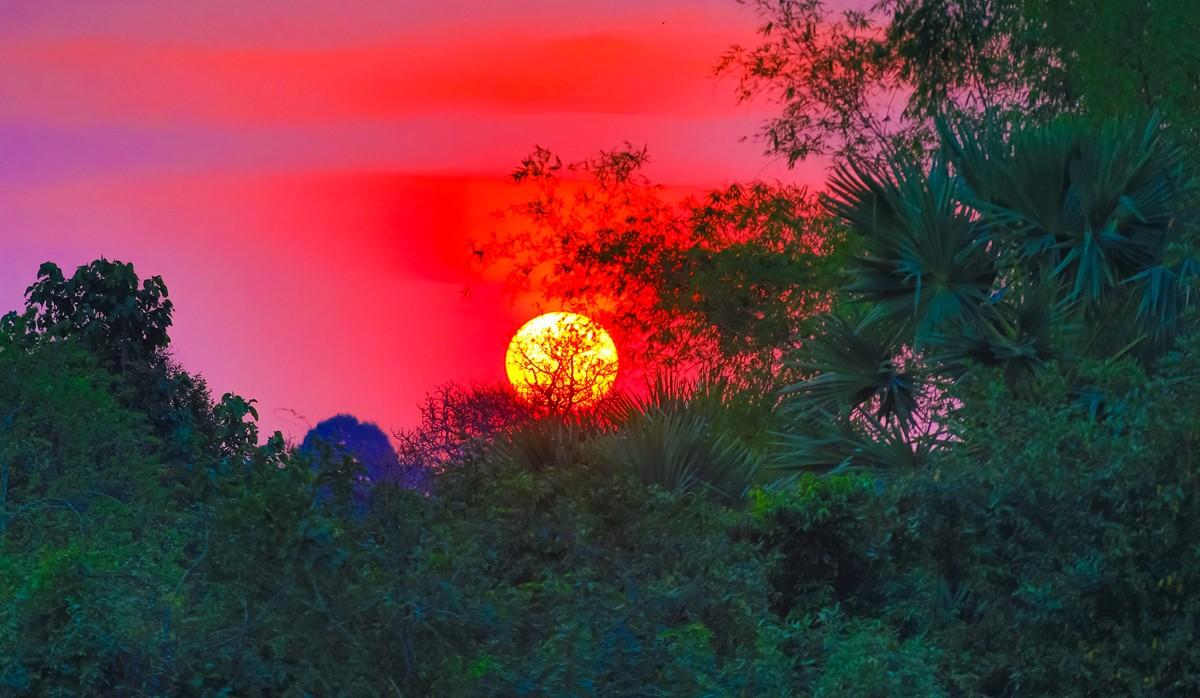 夕阳西下 曾经的火葬场变成名副其实的变身塔 行摄柬埔寨之比粒寺 ..._图1-17