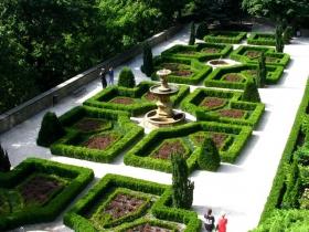 克雄日城堡庄园,波兰