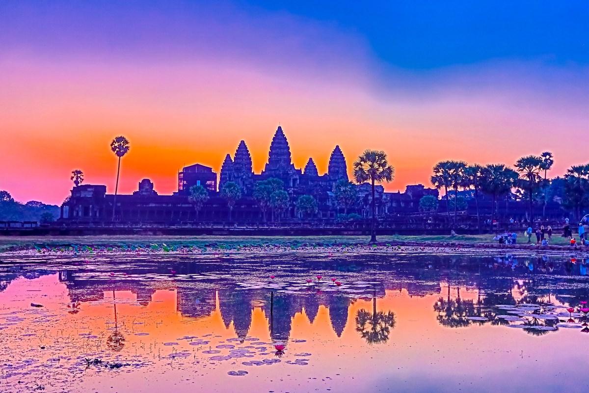 拍着拍着我怎么就哭了 发生在佛教圣地的真实故事 真正了解柬埔寨 ... ..._图1-1