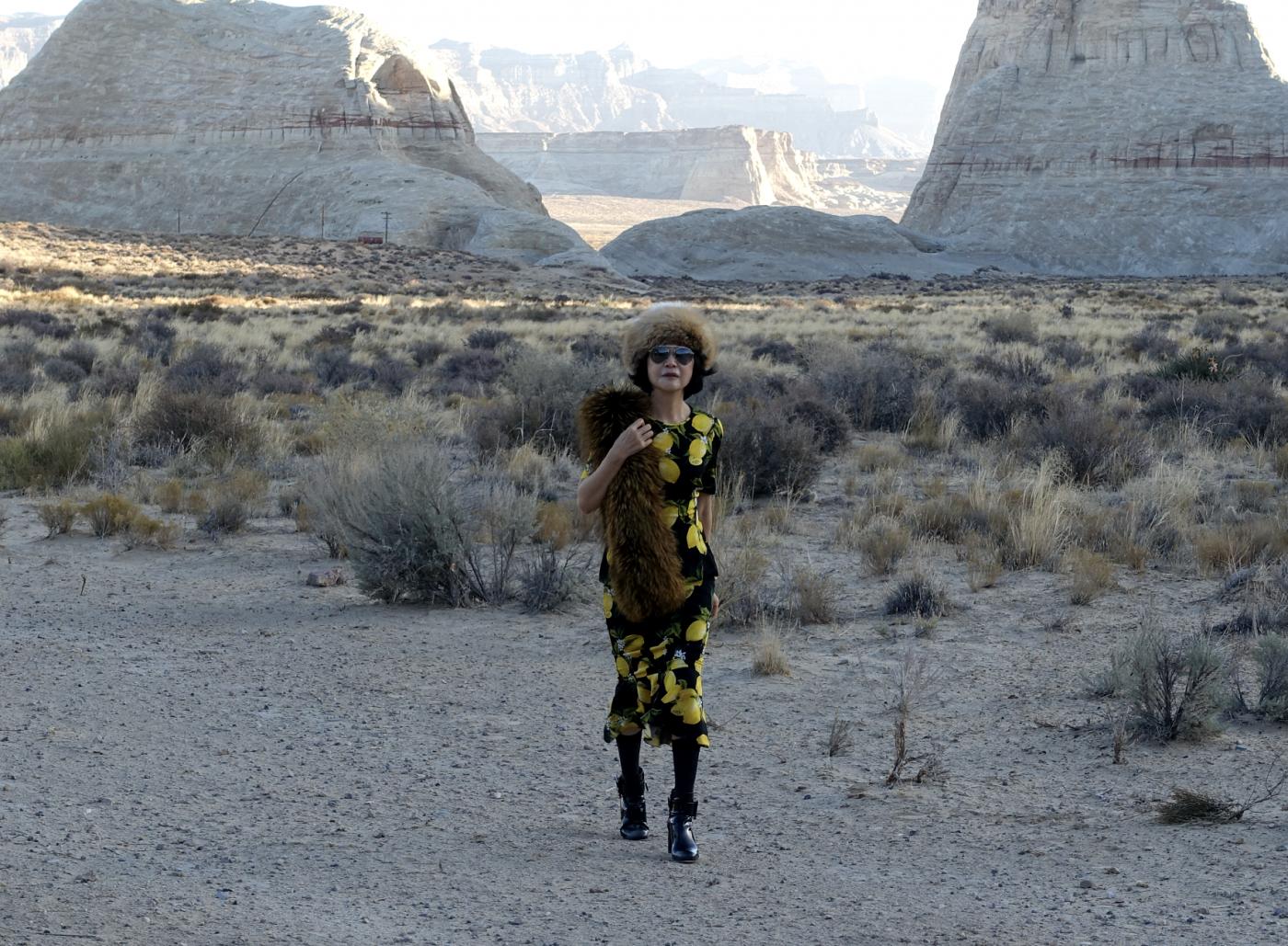 在渺无人烟的大沙漠中如何自得其乐_图1-37