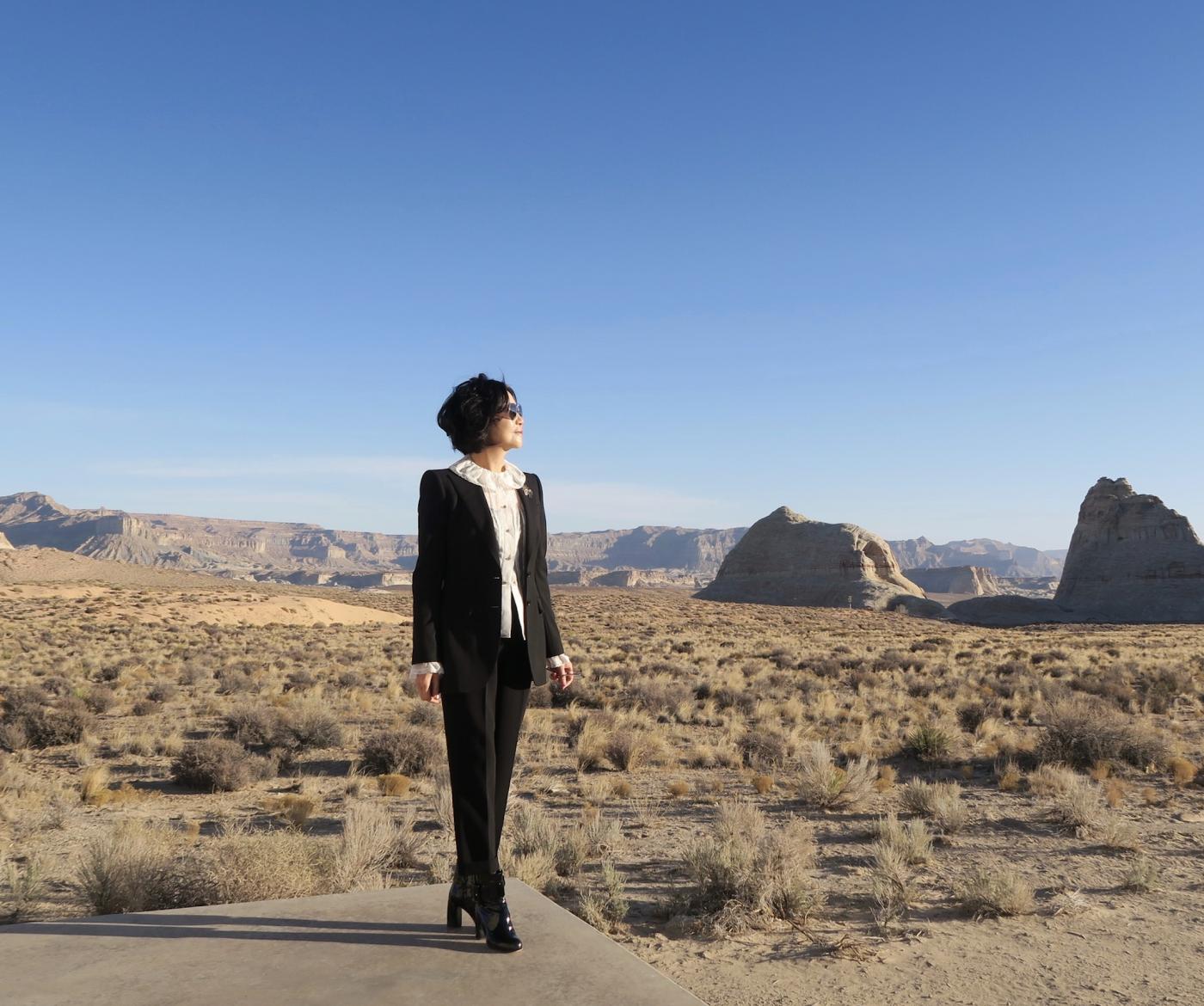在渺无人烟的大沙漠中如何自得其乐_图1-39