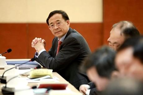 """《两会之声》:上海代表""""喊话""""证监会是一面镜子_图1-2"""