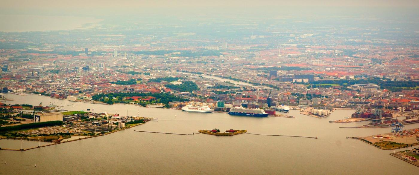 俯瞰哥本哈根,一片绿树红瓦_图1-11
