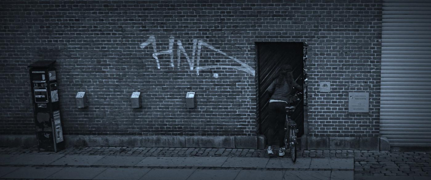 丹麦哥本哈根,即使而过的街景_图1-4