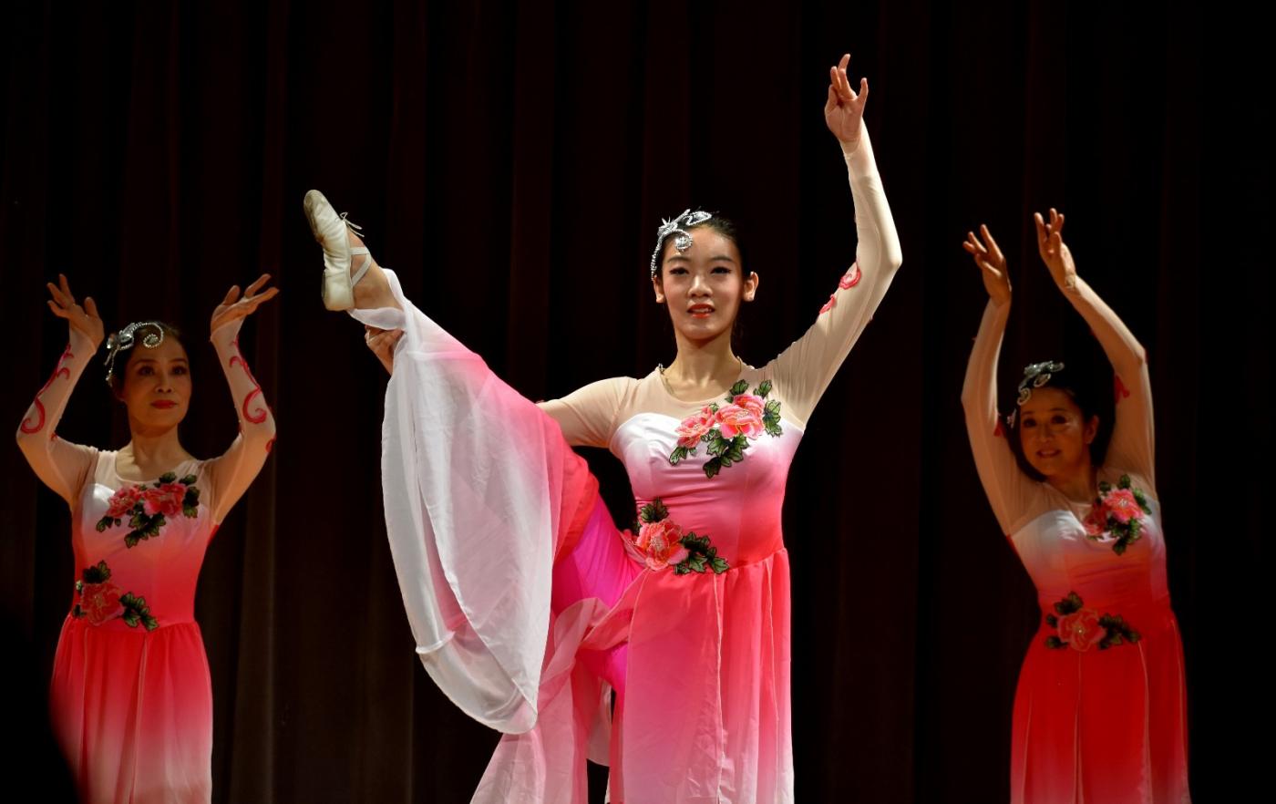 中国民歌集粹音乐会 (1)_图1-15