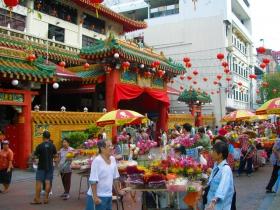 被香港人视为榜样的城邦国-新加坡