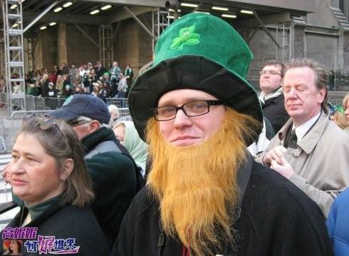 """高娓娓:美国男人争先恐后""""戴绿帽""""_图1-2"""
