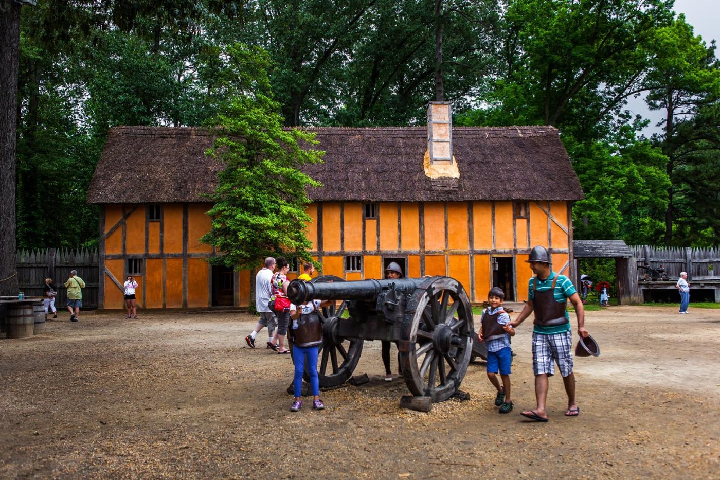 詹姆斯敦殖民地公园,讲17世纪的故事_图1-1