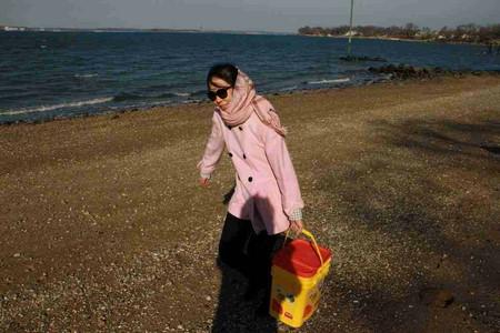 高娓娓:纽约海边公园捡生蚝做海鲜大餐_图1-16