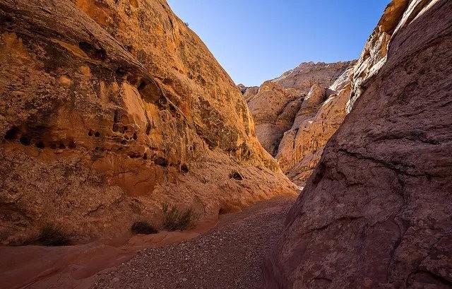 裂缝峡谷_图1-10