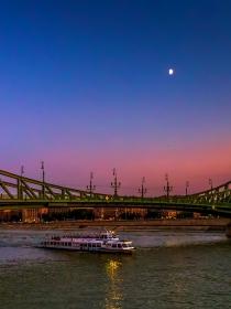 布达佩斯链桥,夜景英姿