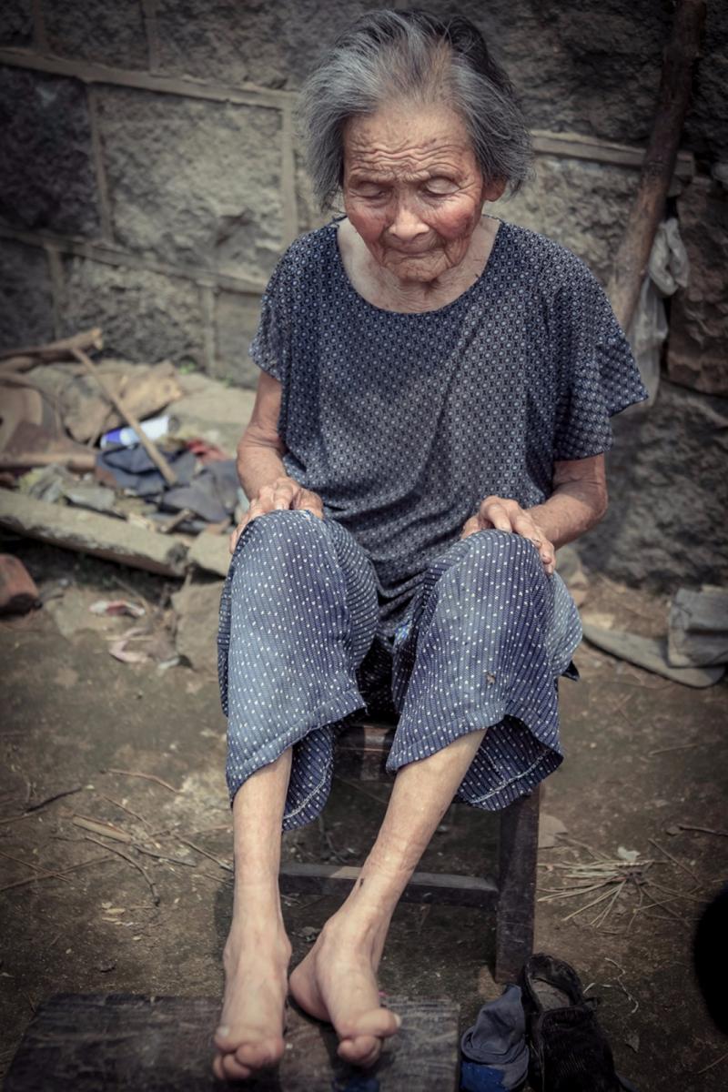 舊社會女人們受到如此摧殘 在大山深處的母親們還飽受如此傷害 ..._圖1-11