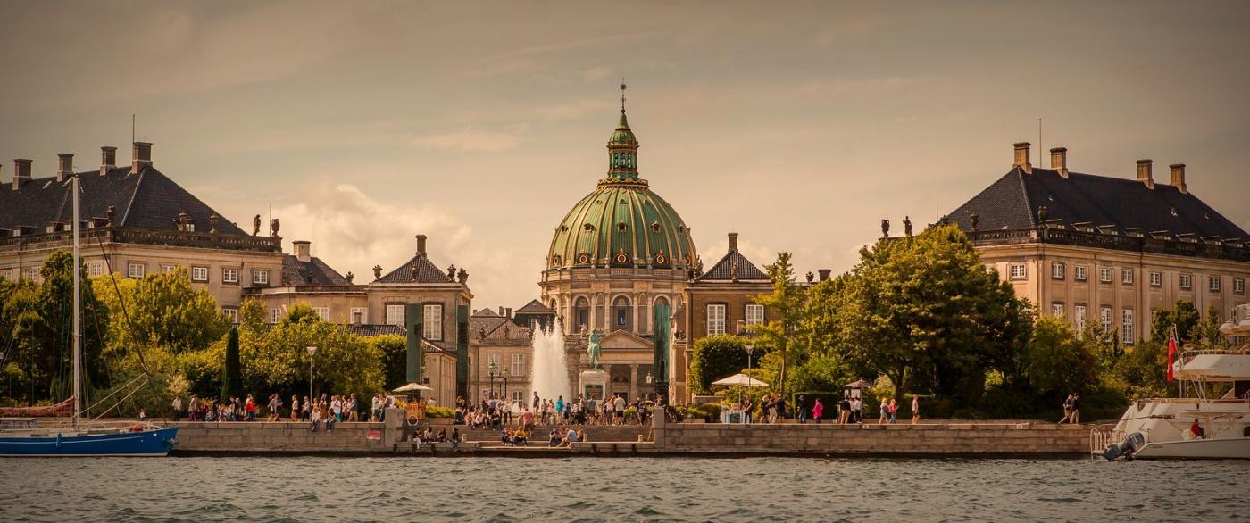 丹麦哥本哈根,岸边的景_图1-1