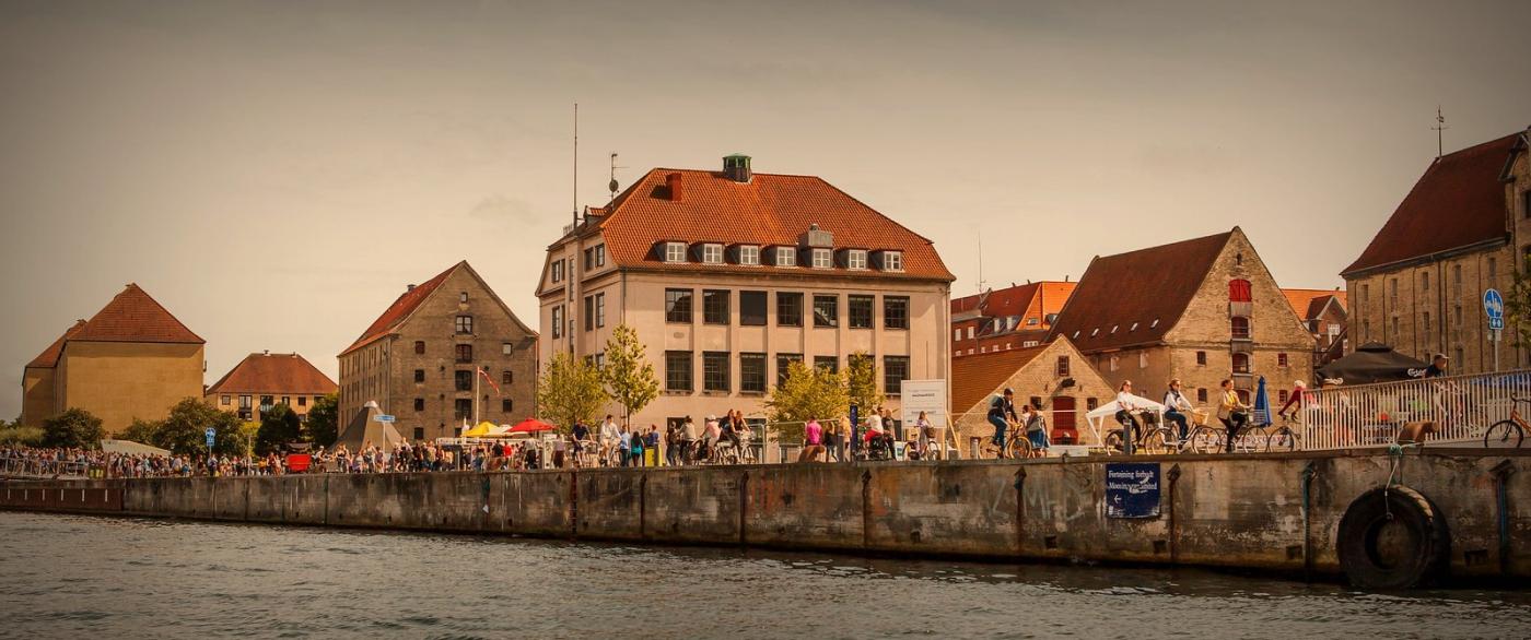丹麦哥本哈根,岸边的景_图1-4