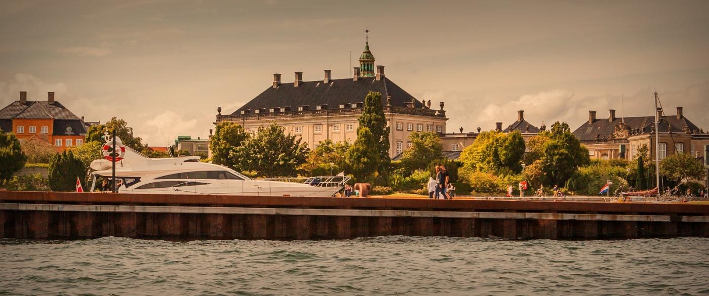 丹麦哥本哈根,岸边的景_图1-5