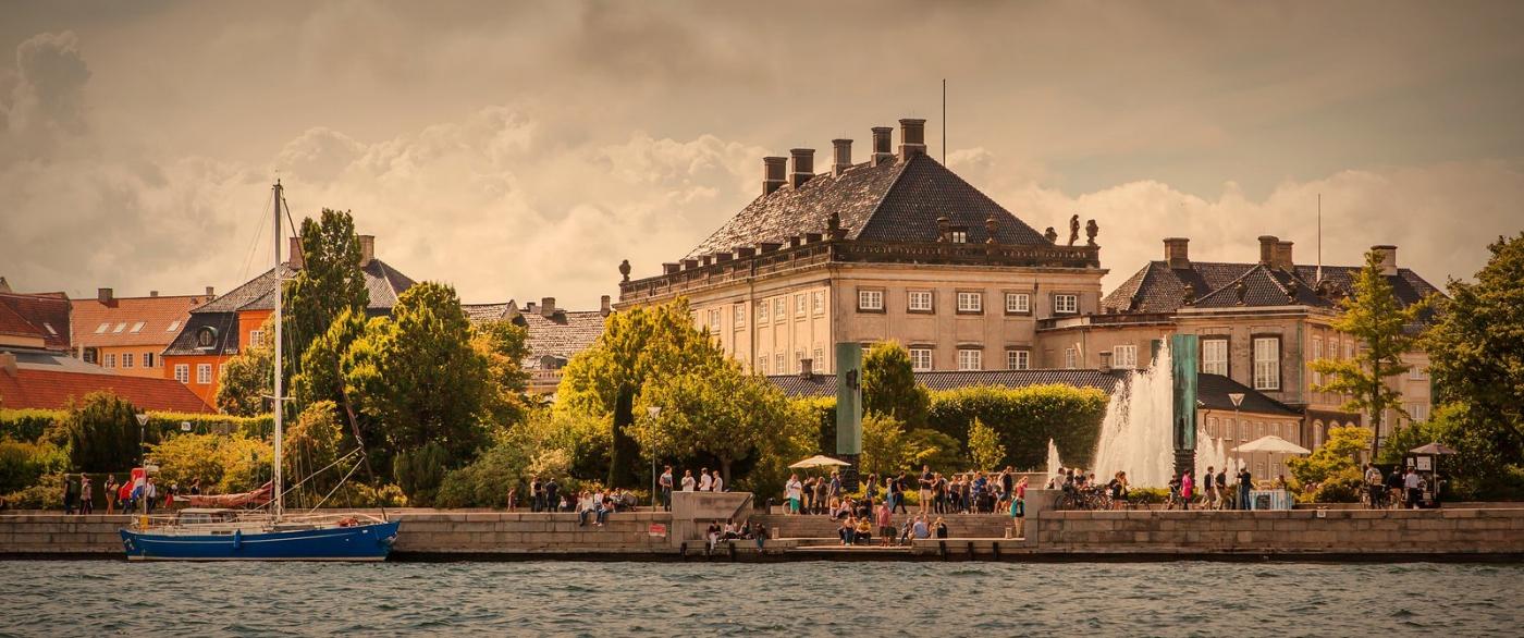 丹麦哥本哈根,岸边的景_图1-8