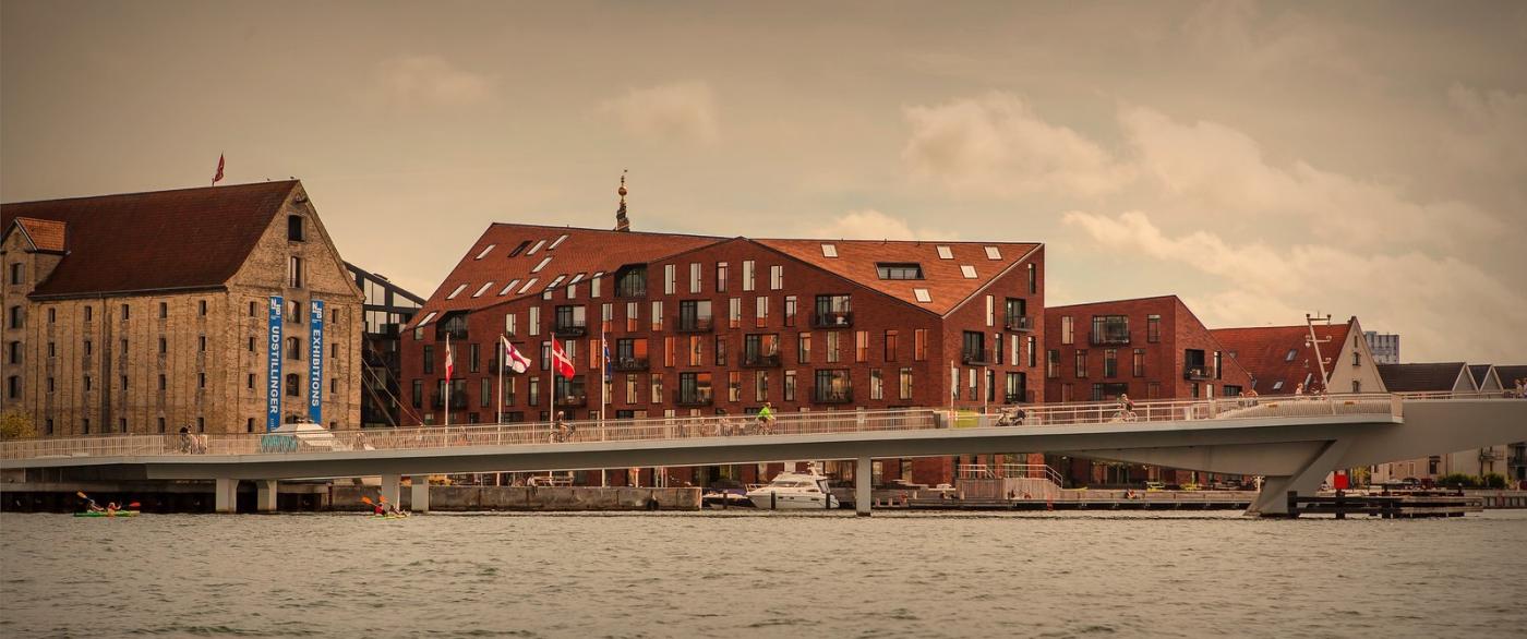 丹麦哥本哈根,岸边的景_图1-9