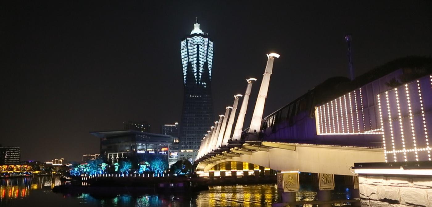 杭州大运河两岸的景观带夜景_图1-2